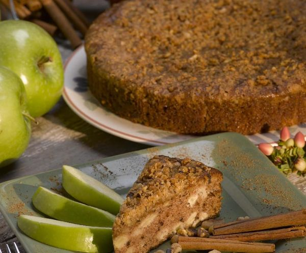 Apple Walnut Crumb Cake