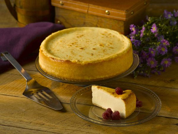 Plain Cheesecake (60oz) Available whole, precut 14 & precut 16